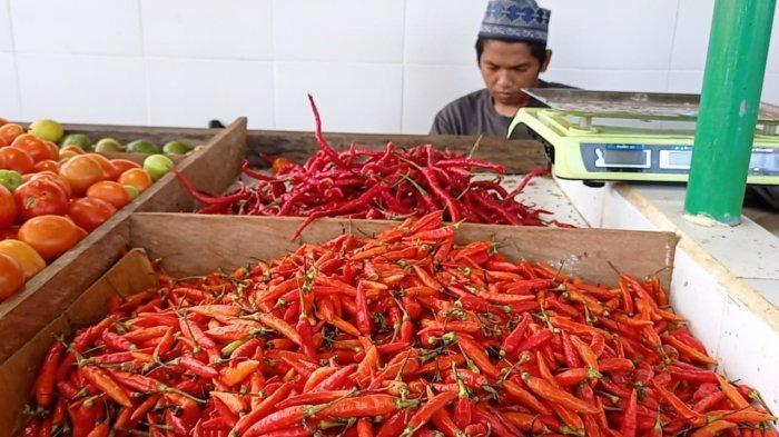 Jelang Idul Fitri 1442 Hijriah, Harga Cabai Rawit di Pasar Induk Imbayut Taka KTT Turun, Rp 110 Ribu