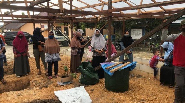 Keluarga Alumni Universitas Gajah Mada (Kagama) menggelar Kegiatan Kerja Nyata (KKN) di Desa Inklusif, yakni Desa Karya Jaya, Kutai Kartanegara.