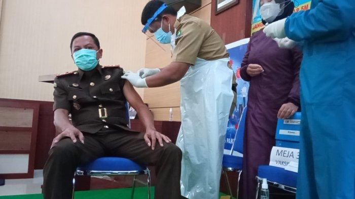 23 Pegawai Kejari Bulungan Disuntik Vaksin Corona, Kajari Sebut Ikut Vaksinasi untuk Dukung Kinerja