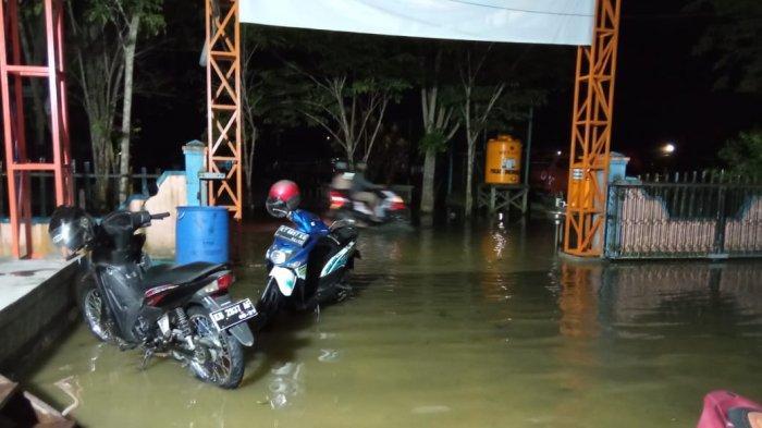 Sejak Sore Air Naik, Malam Hari Jalan di Kota Tanjung Selor Tergenang, Termasuk Kantor BPBD Bulungan