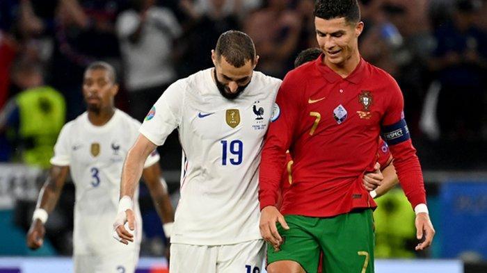 Karim Benzema dan Cristiano Ronaldo saat bersua di Euro 2020 pada laga Portugal vs Prancis, Kamis (24/6/2021). (Twitter / @EURO2020)