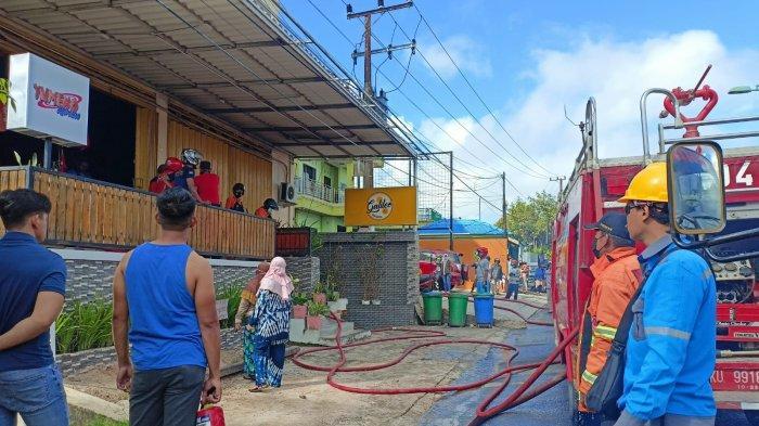 Kebakaran di Jalan Kesuma Hanguskan Dapur Kafe Galileo, Api Diduga dari Ledakan Kompor
