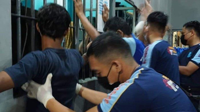 Lapas Tarakan Razia Kamar Warga Binaan, Yosef Benyamin Yembise: Puluhan Handphone dan Sajam Disita