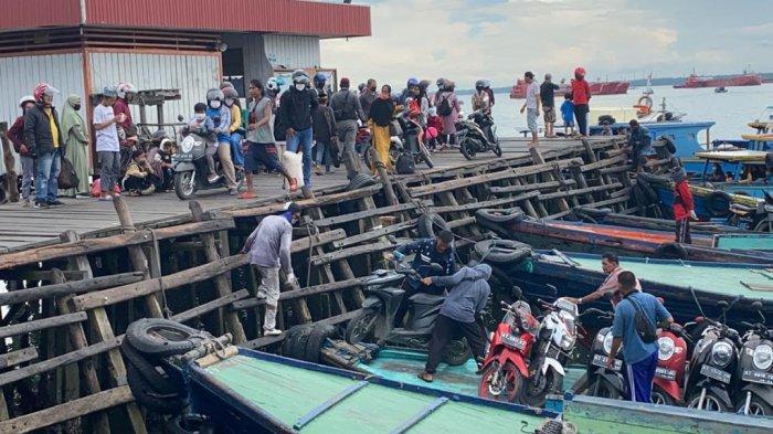 Pelabuhan Klotok Balikpapan Ramai Penumpang, Siapkan 44 Kapal Kayu