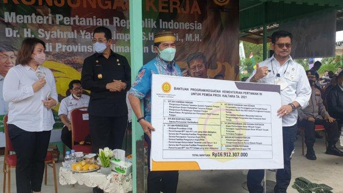 Menteri Pertanian Serahkan Bantuan Rp 16 M ke Pemprov Kaltara, Berikut Pernyataan Kadistan Wahyuni