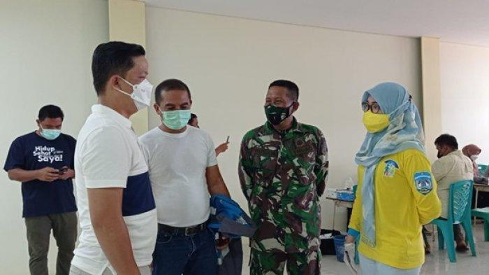 Ketua Satgas Penanganan Covid-19 Kabupaten Tana Tidung, Ibrahim Ali saat monitor vaksinasi Covid-19 di Kecamatan Sesayap, beberapa waktu lalu. (TRIBUNKALTARA.COM / RISNA)