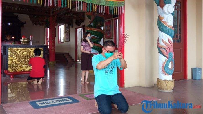 Perayaan Imlek di Klenteng Ta Pek Kong Tanjung Selor, Jumat (12/2/2021). ( TRIBUNKALTARA.COM / MAULANA ILHAMI FAWDI )