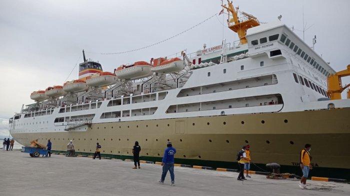 Kapal Pelni KM Lambelu berlabuh di Pelabuhan Tunon Taka Nunukan, belum lama ini.