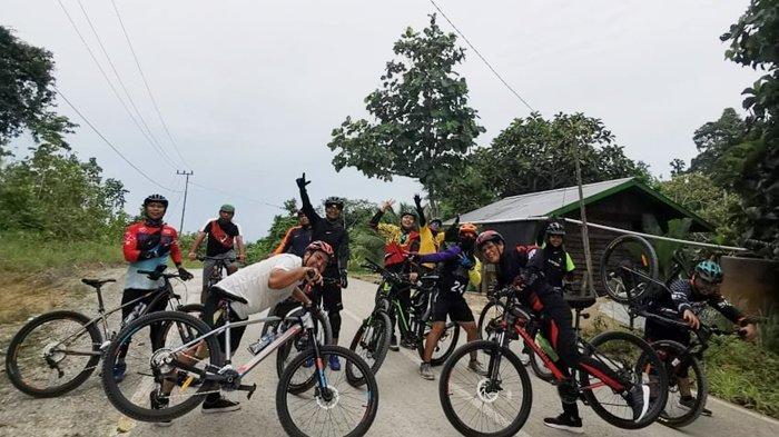 Komunitas Rantau Gowes saat menjelajahi trek di Bulungan (Istimewa)
