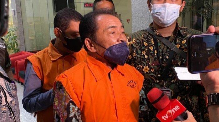 KPK menetapkan Bupati Banjarnegara Budhi Sarwono (BS) sebagai tersangka
