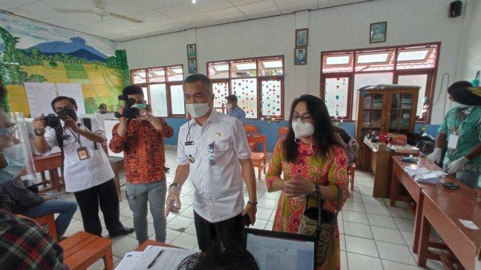 Hari Pertama Bertugas, Bupati Malinau Wempi Pantau Pelaksanaan Pilkades Serentak di 14 Desa