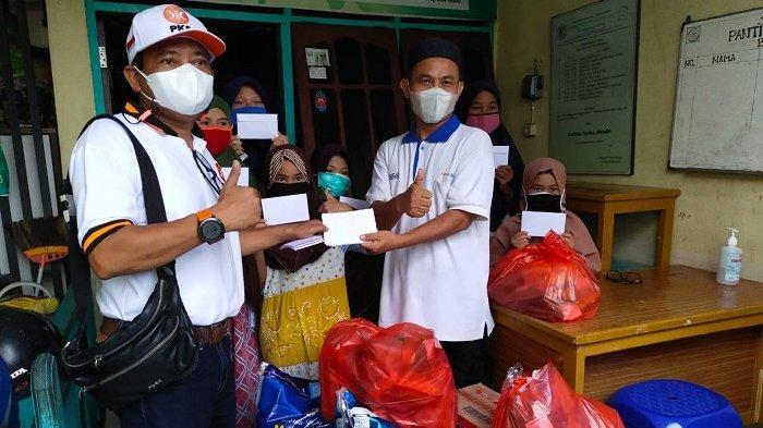 Peduli Masyarakat Terdampak Pandemi Covid-19, Laode Nasir Donasi dan Bagikan Sembako ke Panti Asuhan