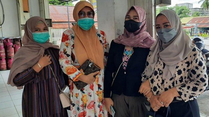 Emak-emak Datangi Polres Paser, Korban Penipuan Berkedok Arisan Online, Kerugian Ratusan Juta Rupiah