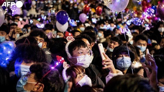 Dulu Paling Mencekam Dihantam Virus Corona, Kini Warga Wuhan Tumpah Ruah Sambut Tahun Baru 2021