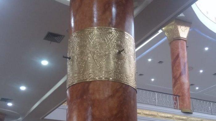 Diduga Belum Dibayar, Sejumlah Lampu yang Dipasang di Tiang Masjid Al-Ikhalas PPU Dicopot