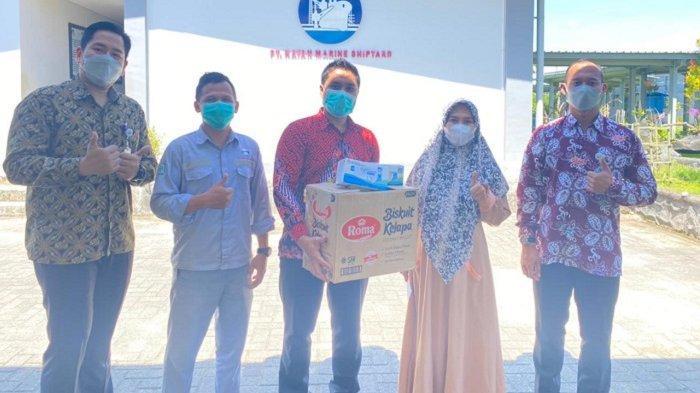 Lindungi Para Pekerja, BPJamsostek Tarakan Bagikan APD Masker 4.200 Pcs