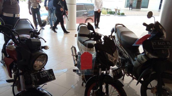 Tiga unit sepeda motor yang diamankan Polda Kaltara dalam pengungkapan 126 Kilogram sabu
