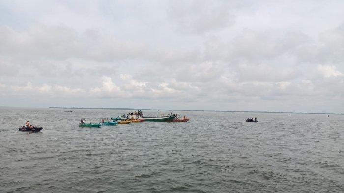 Aktivitass nelayan pesisir Kota Tarakan.