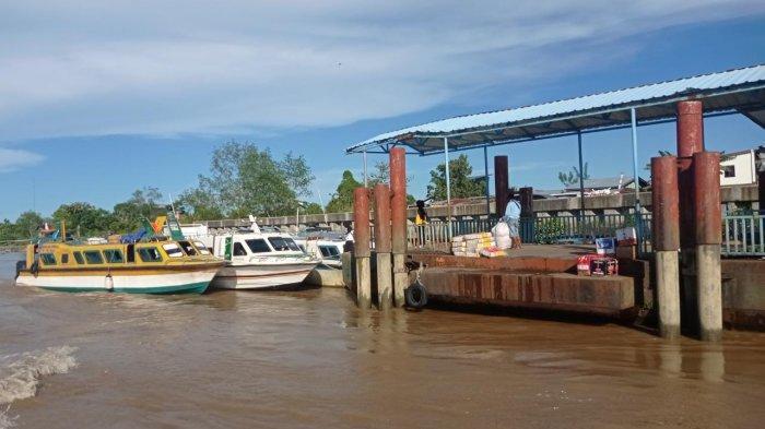 Suasana di Pelabuhan Speed Boat Desa Malinau Kota, Kecamatan Malinau Kota, Kabupaten Malinau, Provinsi Kalimantan Utara, Sabtu (12/6/2021).