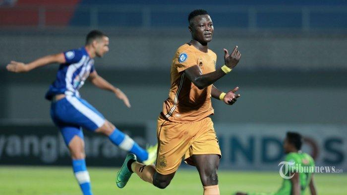 Hasil BRI Liga 1 2021 - Arema FC hanya Mampu Bermain Imbang 1-1 Hadapi 10 Pemain Bhayangkara FC