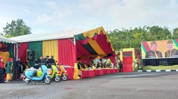 Penampakan tiga motor listrik saat upacara peringatan hari jadi Kota Tarakan ke 23 di halaman Rumah Jabatan Wali Kota Tarakan, Selasa (15/12/20) ( TRIBUNKALTARA.COM / RISNAWATI )