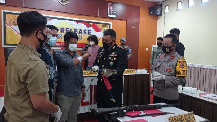 Ungkap Kasus Pencurian di Long Loreh, Tiga Personel Sat Reskrim Polres Malinau Terima Penghargaan