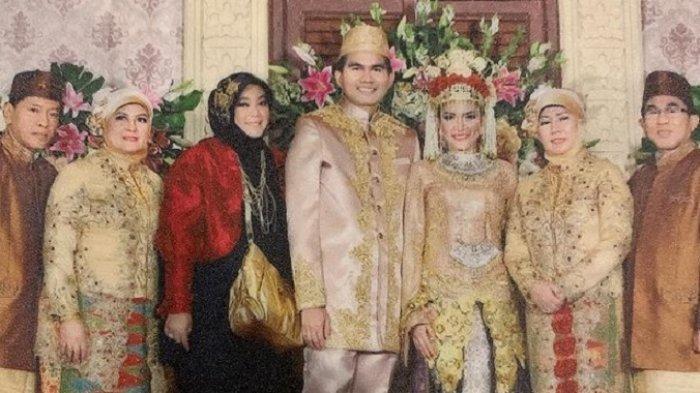 Contoh Pantun Palang Pintu, Tradisi Adu Pantun Kedua Keluarga Mempelai ala Betawi di Hari Pernikahan