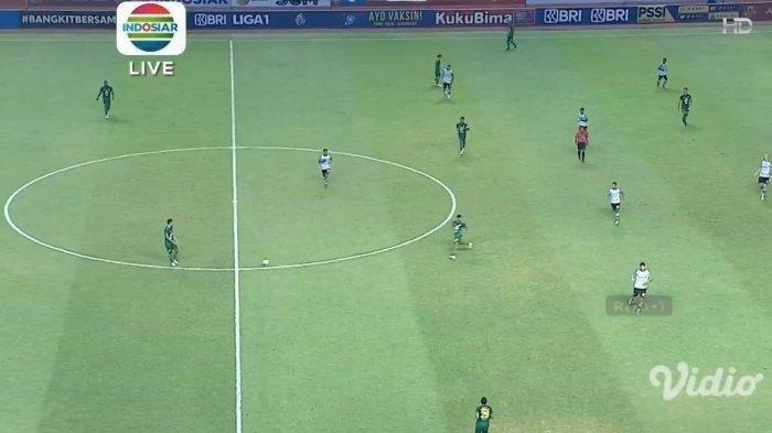 Pertandingan pekan kedua BRI Liga 1 2021 antara Persebaya Surabaya vs Persikabo 1973 yang tersaji di Stadion Wibawa Mukti, Sabtu (11/9/2021).