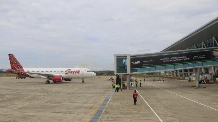 Pilot Rasakan Gangguan di Taxy Way Bandara APT Pranoto Samarinda, Pesawat Batik Air Batal Terbang