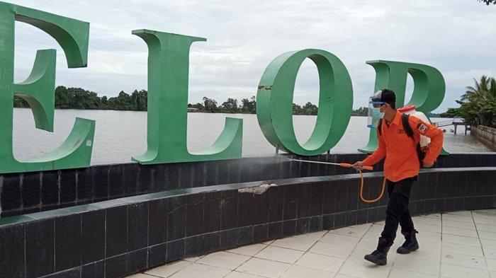 Petugas BPBD Kaltara saat menyemprotkan disinfektan di Taman Tepian Kayan, dan Pelabuhan Speedboat Kayan II, guna mencegah penularan kasus Covid-19 di Tanjung Selor, Bulungan Kamis (8/7/2021) (TRIBUNKALTARA.COM / MAULANA ILHAMI FAWDI)