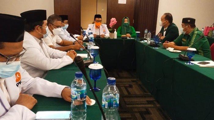 Safari politik pengurus DPD Partai Keadilan Sejahtera (PKS) Kota Balikpapan dengan pengurus DPC PPP Balikpapan di Hotel Novotel, Minggu (4/7/2021).