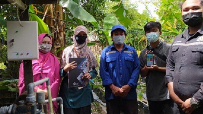 Dosen dan Mahasiswa Teknik Elektro Politeknik Negeri Balikpapan (Poltekba) mengembangkan irigasi tetes di Kelurahan Sepinggan, Balikpapan Selatan.