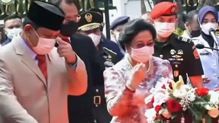Resmikan Patung Bung Karno di Kemenhan, Megawati Lempar Kode Sanjung Prabowo