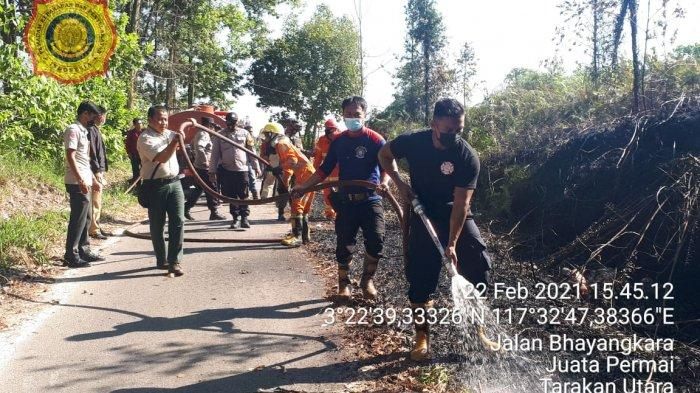 Kebakaran Lahan di Juata Permai Tarakan Hampir Merambat ke Kantor KUA & Gedung Panti Jompo Kaltara
