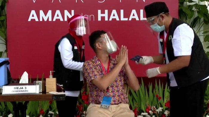 Raffi Ahmad disuntik vaksin corona Sinovac di Istana Kepresidenan, Rabu (13/01/2021) (Tangkapan Layar YouTube Sekretariat Presiden)