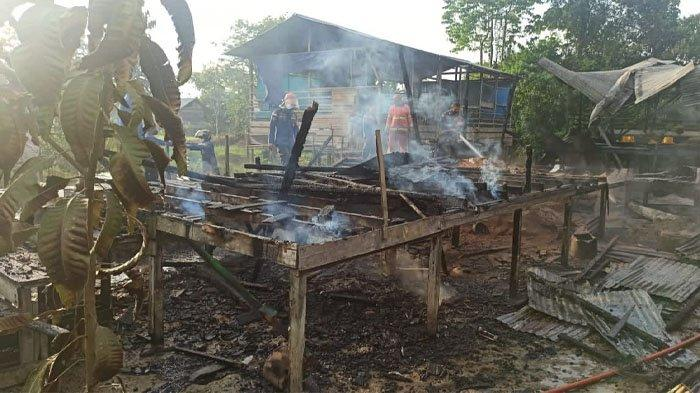 2 Rumah di Malinau Ludes Dilahap Api, Petugas Kesulitan Padamkan Kebakaran, Kerugian Puluhan Juta