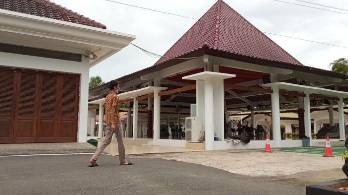 Sempat Disemprot Disinfektan, Rumah Jabatan Gubernur Kaltara di Tanjung Selor Sepi dari Aktivitas