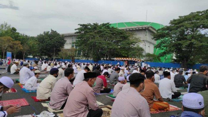 Salat Ied di Stadion Sempaja Samarinda, Tiba-tiba Panitia Umumkan Jemaah Lupa Matikan Kompor