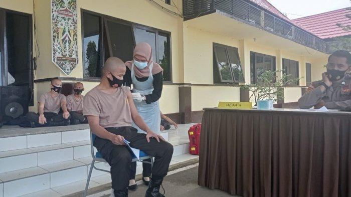 Persiapan Jelang Pendidikan, 44 Calon Anggota Polri di Malinau Kaltara Disuntik Vaksin Sinovac