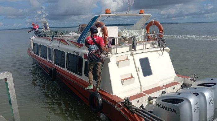 Speedboat reguler rute Nunukan-Tarakan berlabuh di PLBL Liem Hie Djung Nunukan, belum lama ini.