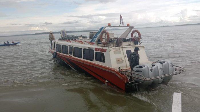 Speedboat reguler bertolak dari Pelabuhan PLBL Liem Hie Djung Nunukan menuju Tarakan, belum lama ini.