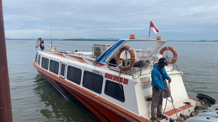 Speedboat reguler bertolak dari Pelabuhan PLBL Liem Hie Djung Nunukan menuju Tarakan, Jumat (17/09/2021), pagi.