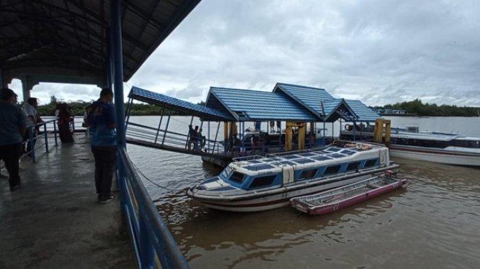 Penumpang speedboat rute Tanjung Selor-Tarakan saat hendak menaiki SB Kalimantan dari Pelabuhan Kayan II (TRIBUNKALTARA.COM / MAULANA ILHAMI FAWDI)