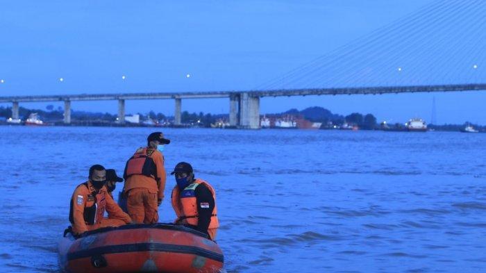 Basarnas Samarinda Dirikan Posko Pencarian ABK Kapal Hilang Diduga Tertabrak Ponton, 2 ABK Selamat