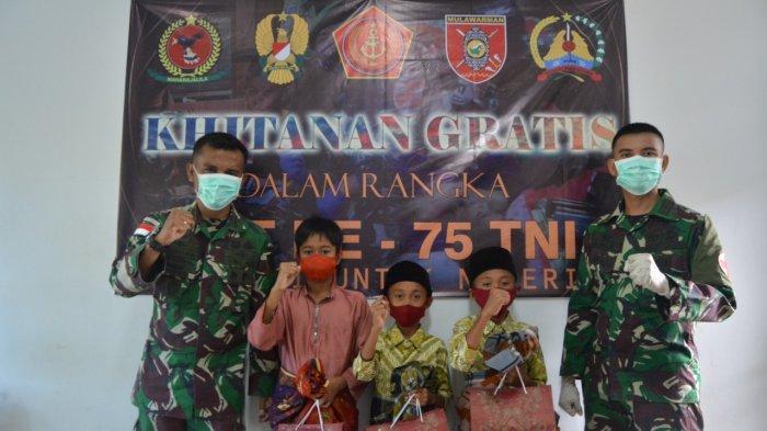 Peringati HUT ke-75 TNI, Satgas Pamtas Yonif 623/BWU Gelar Sunatan Massal dan Donor Darah di Nunukan