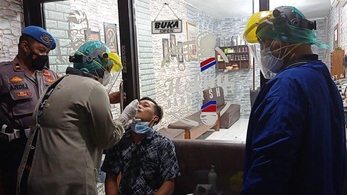 PPKM di Nunukan, Satgas Covid-19 Lakukan Swab Antigen di Tempat, Reaktif Langsung Diangkut Ambulans