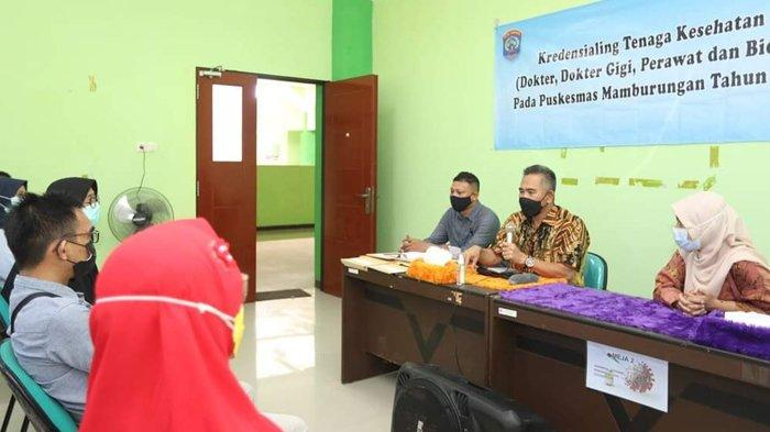 Wali Kota Tarakan dr. H. Khairul, M.Kes, saat memberi paparan dalam kegiatan Kredensialing Tenaga Kesehatan di Puskesmas Mamburungan, Sabtu (22/5/2021). (Ho / Humas Pemkot Tarakan)