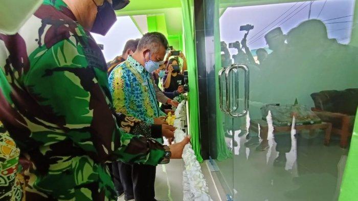 Wali Kota Tarakan dr Khairul, MKes didampingi Dandim, Kapolres dan Ketua MUI Kota Tarakan membuka gedung baru Kantor MUI Kota Tarakan, Sabtu (10/4/2021).