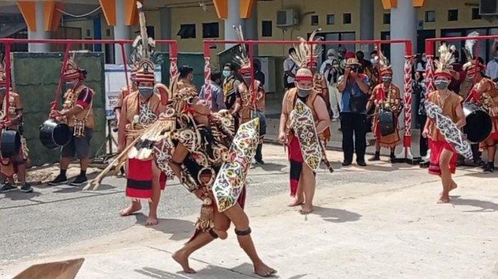 Wariskan Budaya Lewat Kesenian, Pelatih Tari Tradisional Malinau Beber Tantangan Pandemi Covid-19