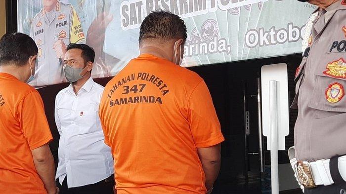 Rilis aksi pungli yang dilakukan oleh Lurah Sungai Kapih Edi Apriliansyah bersama tersangka Rusli di Mapolresta Samarinda, Senin (11/10/2021)